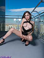 Skyscraper sex goddess kylie maria will make your penish rise